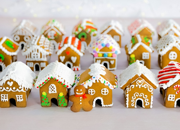 Holiday Open House (Drive-Thru) and Virtual Gingerbread House Contest